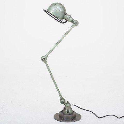 Table lamp in metal