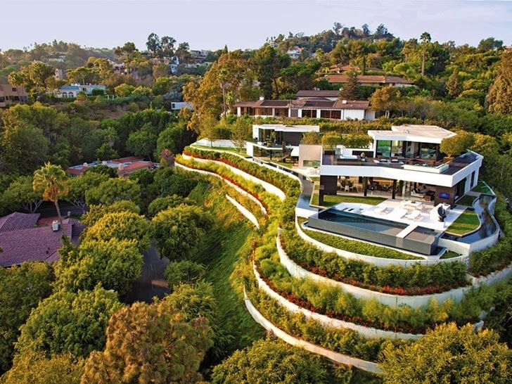 Perfect Modern Mansion in Beverly Hills, CA by Metropole Architects