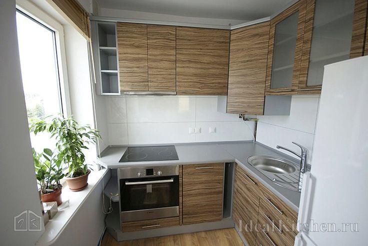 угловой кухонный гарнитур для кухни 6 квадратных метров с газовой колонкой в шкафу