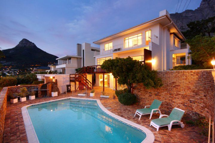 UPPER TREE VILLA. Holiday Rental  in Camps Bay for 9 People at R3,500 / Night