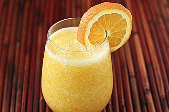Fresh Orange Smoothie (Orange Julius)  by gimmesomeoven #Smoothie #Orange #gimmiesomeoven
