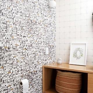 Interesting wallpaper for a bathroom