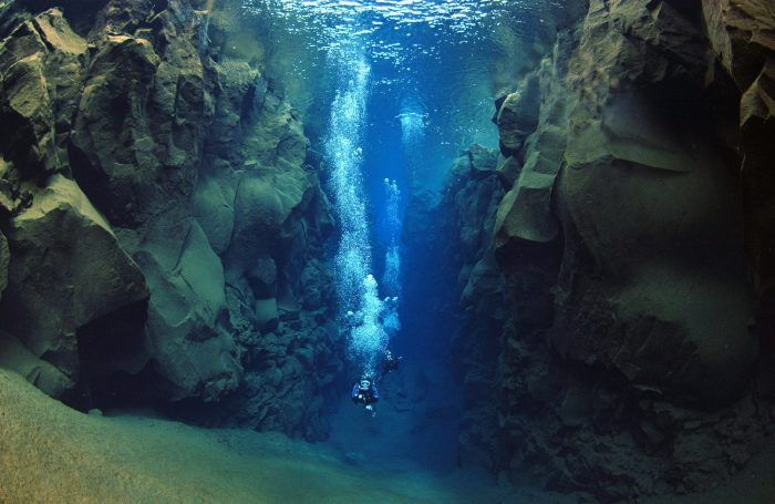 5- … Or if you are craving for some action, you can swim between the North American and Eurasian tectonic plates. Whether you like snorkelling or scuba diving, the fact to be able to swim in between two tectonic plates is pretty amazing, don't you think? Let the dimensions sink in while exploring Iceland's beautiful underwater world.