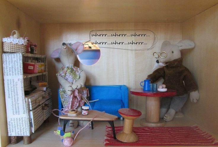 Babcia nawet jak śpi i chrapie świetnie robi na drutach! - www.fufurufu.pl