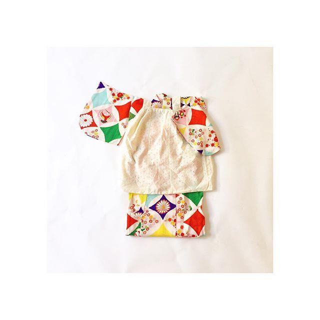3歳児のキモノおそでが短かくカジュアルなときは被布もいーけどレースのエプロンもかわいいですー!髪型はおっきいリボンとかしたいな、、、 #753#七五三#アンティーク#tokyo#kimono#キモノ#着物#都内#小舟#引田早香#レンタル#着物レンタル#世田谷#豪徳寺#上町