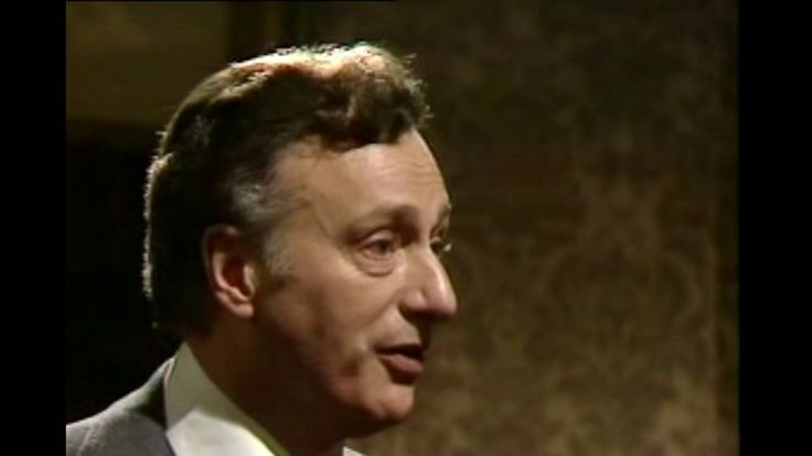 Yes Minister  S01E02 - The Official Visit - YouTube