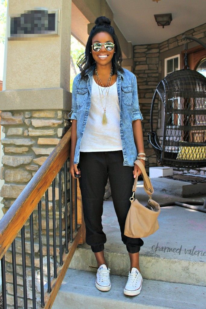 15 cool fall college outfits with a chambray shirt