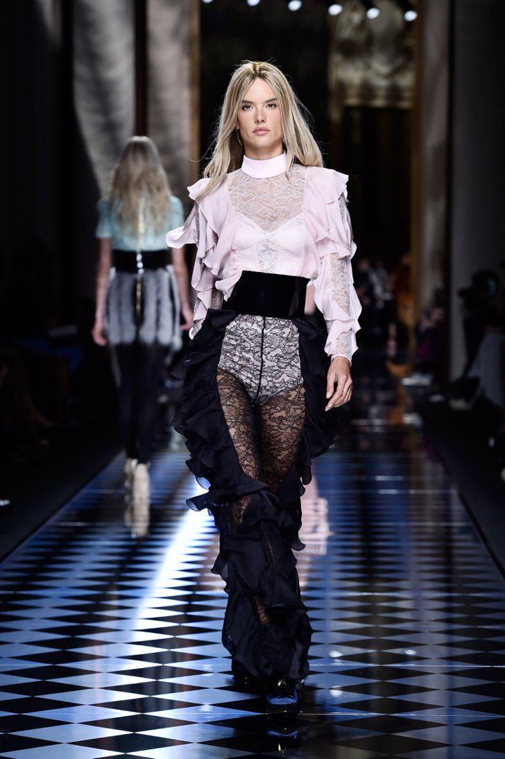Pin for Later: Alessandra Ambrosio Just Went Blond For the Balmain Paris Fashion Show