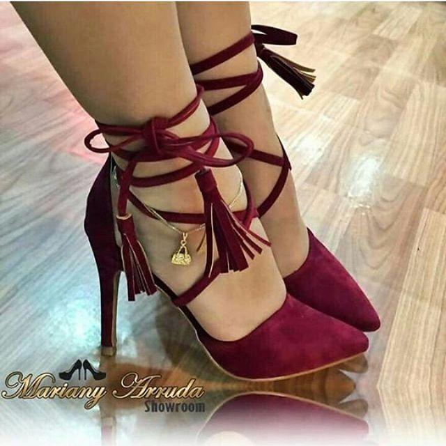 In love pela loja @showroomMarianyArruda 👠💕 os sapatos mais lindos que já vi ! Exclusivos e super diferentes. Super indico @showroommarianyarruda !