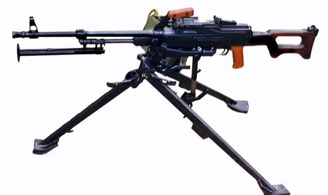 Current production Kalashnikov PKMS (PKM on tripod) machine gun, with plain (non-fluted) barrel and short flash hider.
