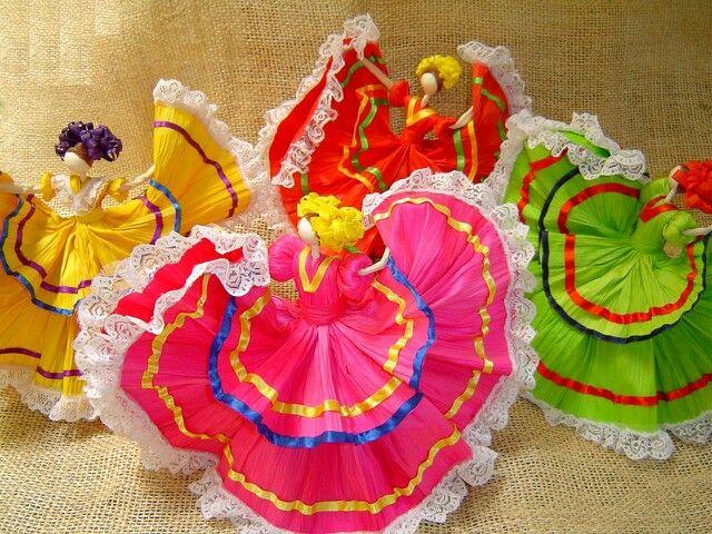 corn husk dolls made in jalisco