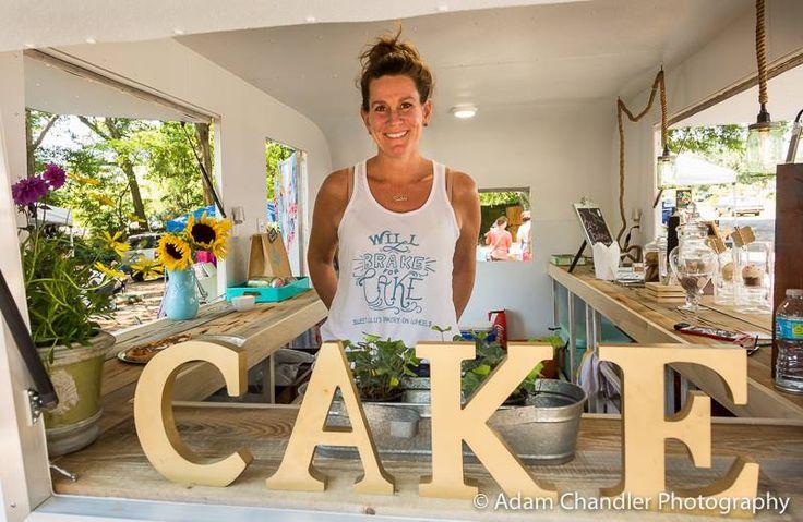 Sweet Lulu's Bakery, Charleston Bakery, Vintage camper, vintage trailer, vintage caravan, cocktail caravan, Charleston weddings, Charleston wedding cake
