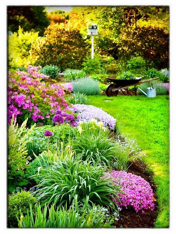 8 easy flower garden ideas and plans southern sprouts for Flower landscape ideas