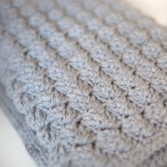 Super soft, thick, and cozy free baby blanket crochet pattern.