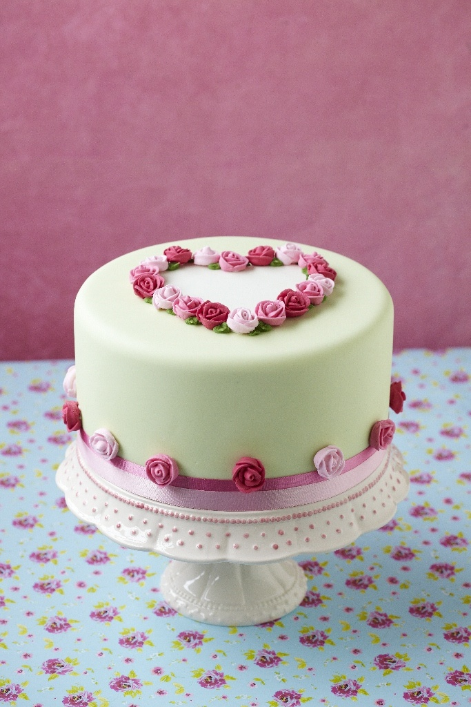 gâteau avec roses / cake with roses