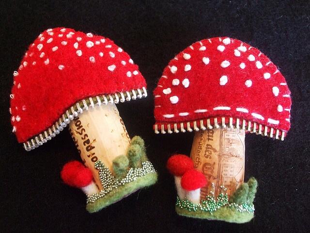 Zippers, felt, cork mushroom brooches: Mushroom, Photos