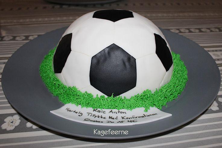 Fodboldkage med penge til konfirmand - Football cake with hidden money
