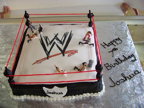 WWE Wrestling Birthday Cake and Cupcakes. Pinning this for a future birthday for Jack. :-)