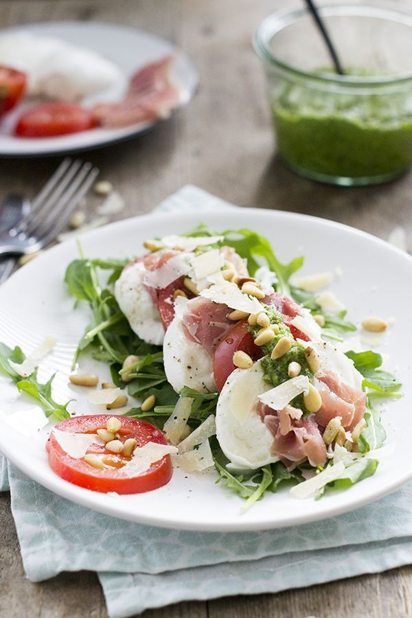 Recipe For A Quick Caprese Salad With Parma Ham And Pesto Delicious As A Lunch Or Caprese Delicious H Healthy Meals Delivered Food Food Inspiration