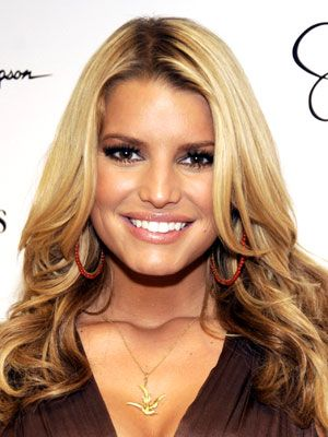 Love the layers - Jessica Simpson Hairstyles - October 18, 2008 - DailyMakeover.com