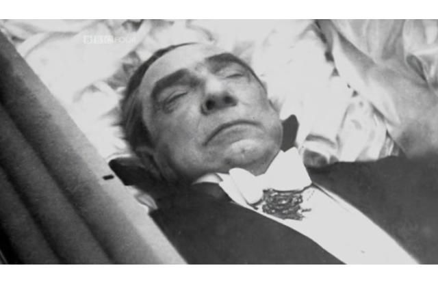 Bela Lugosi's Open Casket The actor who famously played ...