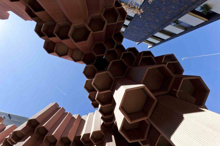 Pavilhão de papelão ondulado/ Miguel Arraiz + David Moreno © Noel Arraiz