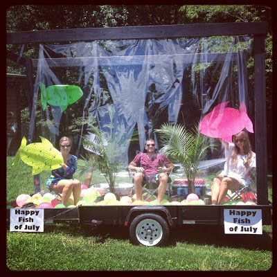 Neighborhood Fish Tank / Aquarium Parade Float Idea {mrsloveslife.com}