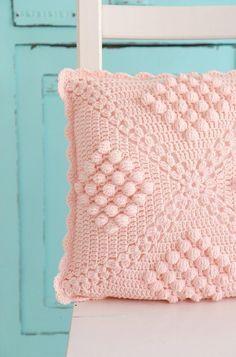 Kissen - Handmade with ℒ O V E - ein Designerstück von bleuetrose bei DaWanda