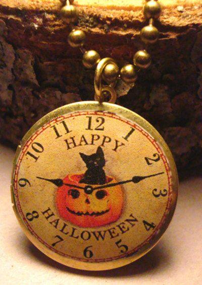 VINTAGE INSPIRED: Idea, Pocket Watch, Halloween Watch, Halloween Heart, Halloween Jewelry, Halloween Clock, Clocks Time, Art Happy, Happy Halloween