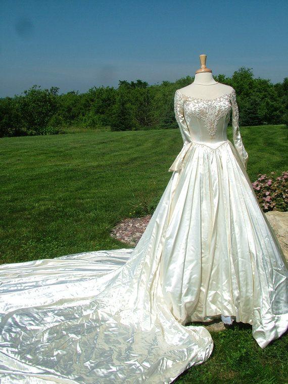 Vintage ivory slipper satin wedding dress bridal gown for Slipper satin wedding dress