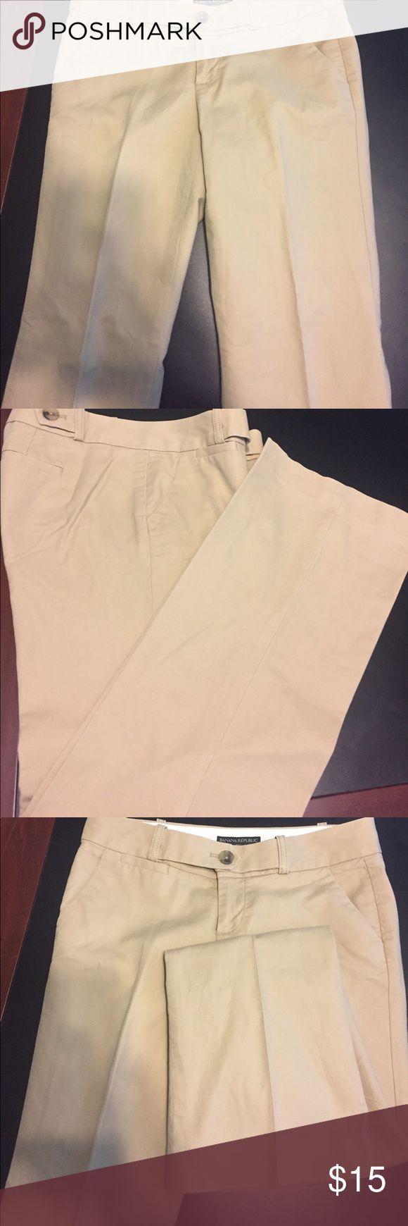 "Ladies Size 2 Banana Republic Trousers Size 2 Banana Republic Trousers  Pre-Loved Measurements Length 38.5"" waist 30"" Inseam 31"" Rise 7.5"" Banana Republic Pants Trousers"