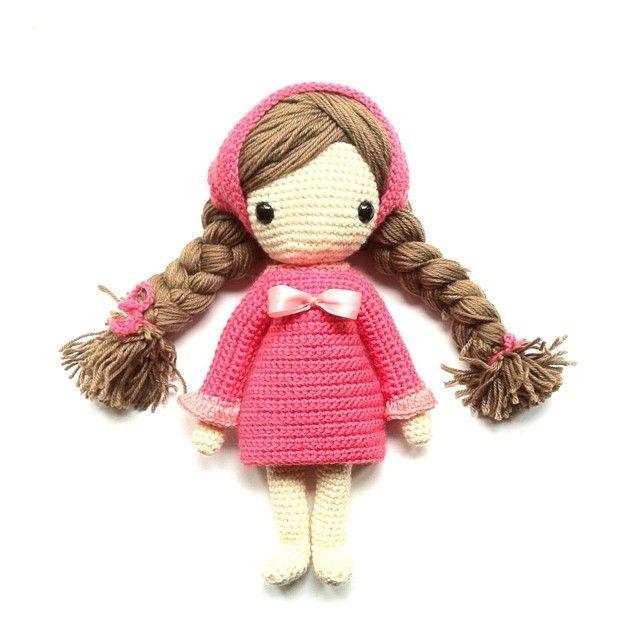 Crochet doll by Isabelle Kessedjian