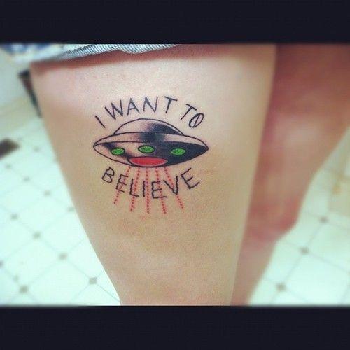 Imagem de I want to believe, tattoo, and ufo