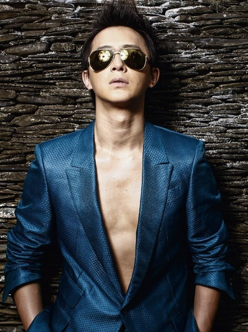 Han Geng (韩庚) former of super junior...i miss him in SJ but I love watching his successful solo career
