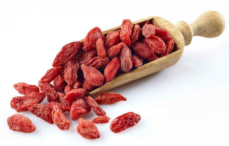 Fructele goji sunt un superaliment bogat in antioxidanti care are o multime de beneficii pentru sanatate.