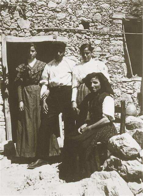 """Σφακιά 1913. Hubert Pernot """"Εξερευνώντας την Ελλάδα. Φωτογραφίες 1898-1913"""""""