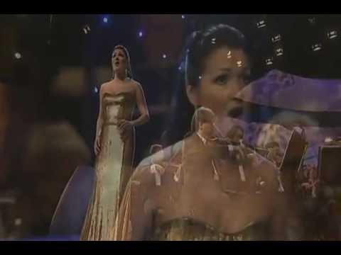 """Anna Netrebko sings  """"Casta diva"""""""