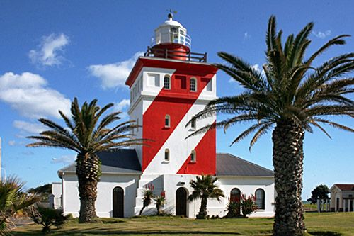 "The Green Point lighthouse is the oldest lighthouse in South Africa. The lighthouse was built in 1824. As thick winter fog regularly disguises the land it was also equipped with a booming foghorn that could be heard for miles. This earned the lighthouse the nickname ""Moaning Minnie""."