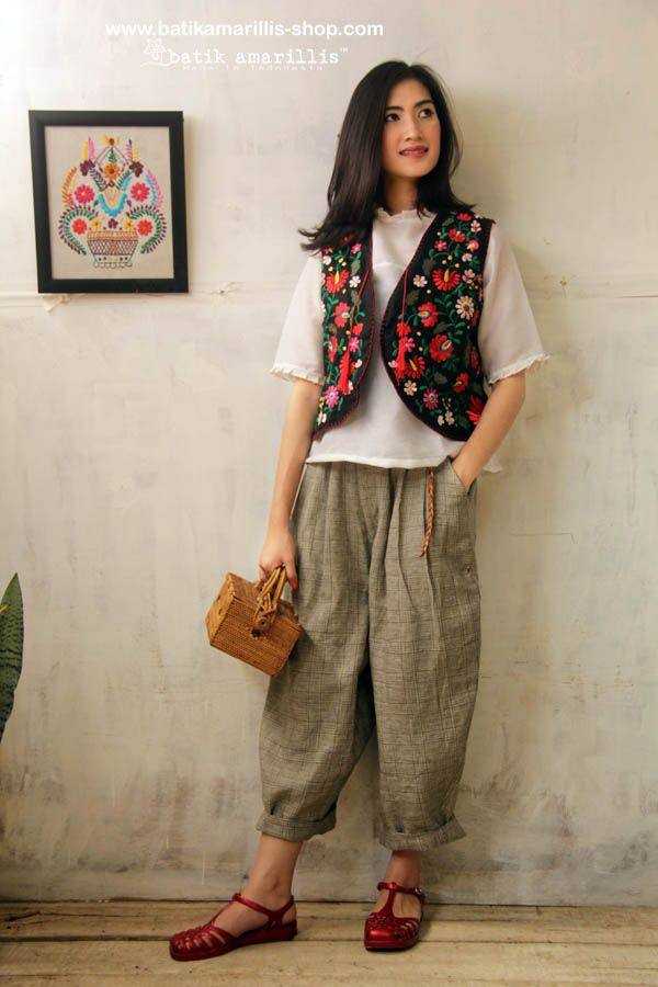 Batik Amarillis' Fraiche 2014.  <3 Made in Indonesia <3  Tokyo85 pants ,innocencia  & Firenze vest ....80-ies super cool,chic and comfy inspired pants ,it's tuck & ankle length with super adorable back pockets to spice up its cuteness!