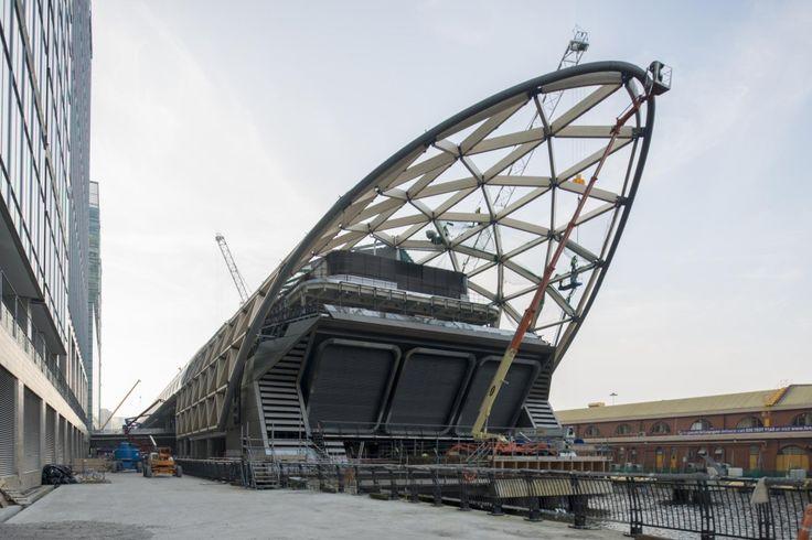 Realisiert mit Dlubal-Software: Crossrail Station in Canary Wharf, London | http://www.dlubal.com/de | #bim #cad #dlubal #dynamik #eurocode #fem #rfem #rstab #rxholz #statik #statiksoftware #tragwerksplanung