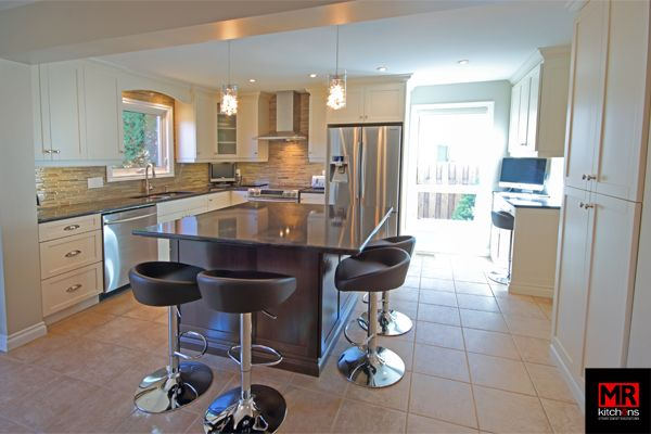 Open concept contemporary. www.mrkitchens.ca