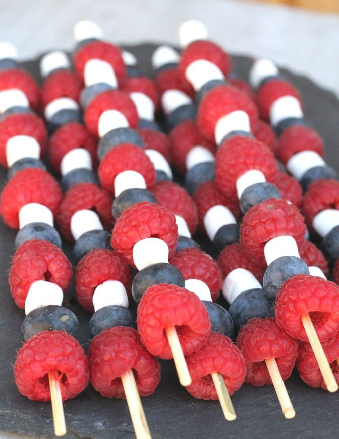 Get into the spirit of the 4th of July celebrations with these Fruit Skewers with Chocolate Orange Sauce | www.myfussyeater.com
