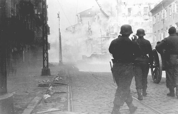 germans make a direct hit to the Jewish resistance Battle for the Warsaw Ghetto  ! Revolt & Resistance www.HolocaustResearchProject.org