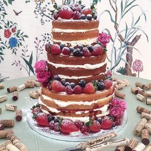 Would you go naked for your wedding? - discussing naked cakes from Kelly Lou Cakes