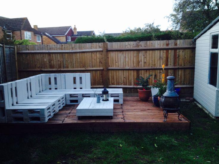 just final bits to do garden furnituredeckingpalletfinals