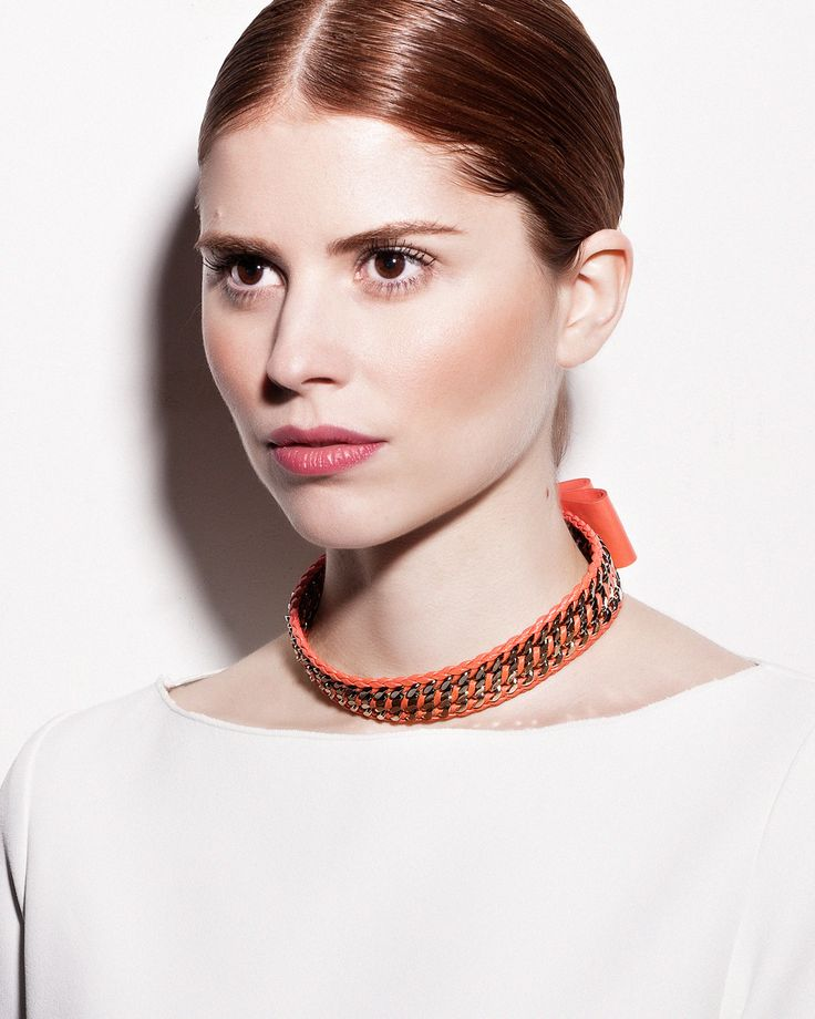 Daniel Havillio leather choker. Lalala, hand woven leather chains choker with leather bow. Leather Jewelry. www.danielhavillio.com