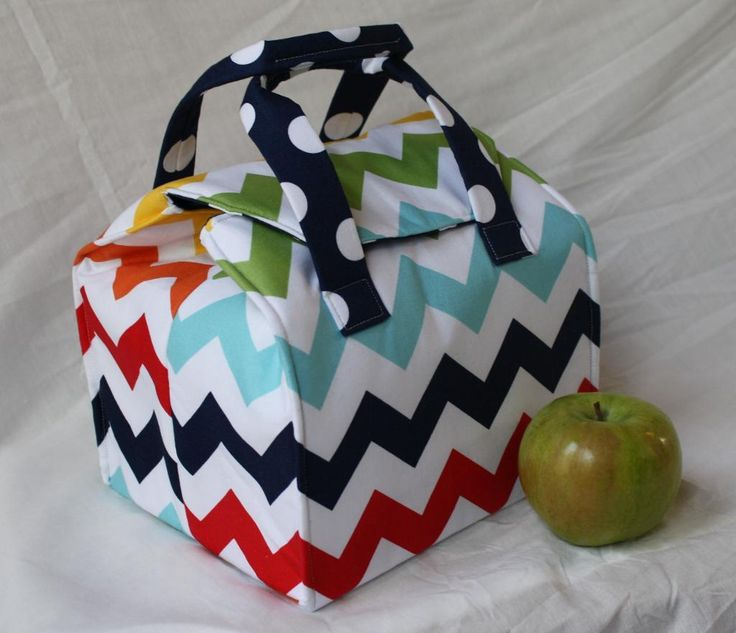Picnic Perfect Lunch Tote pattern on Craftsy.com, at http://www.craftsy.com/pattern/sewing/accessory/picnic-perfect-lunch-tote/101197