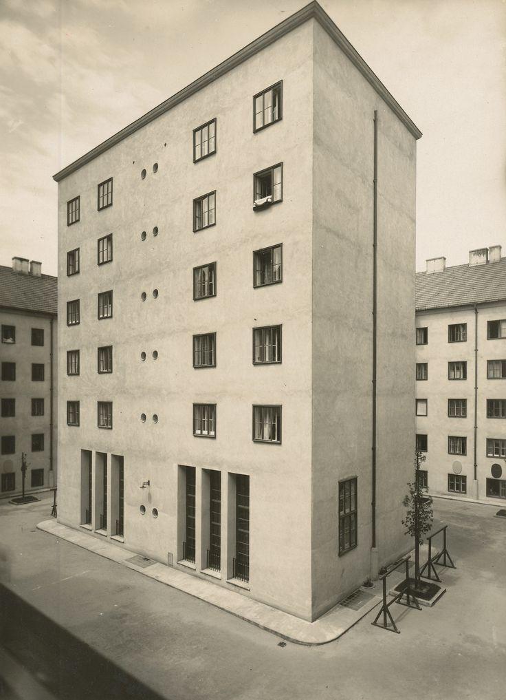 Klose-Hof, Volkswohnhaus, Wien 1924-25, Architekt Josef Hoffmann, Fotografie: Julius Scherb, Landesmuseum Oldenburg