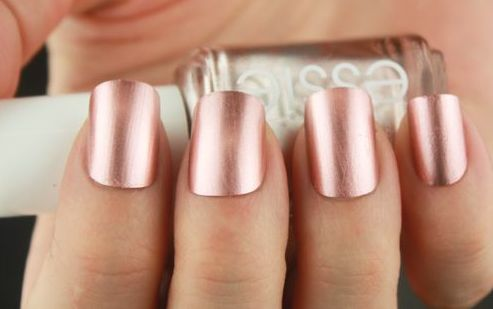 pink gold manicure  | pink and gold wedding