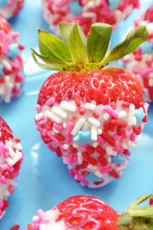 White Chocolate Dipped Strawberries with Sprinkles / Such Pretty Things